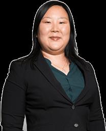 Alicia Cheng Headshot